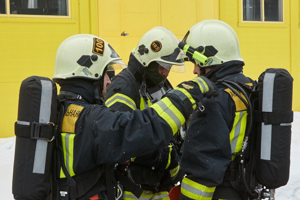 Учения по эвакуации пострадавшего из загазованной зоны