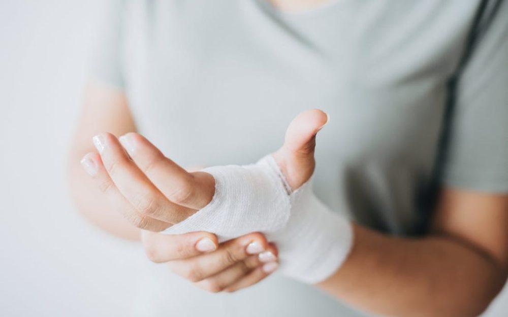 Упал-обжегся: первая помощь при бытовых травмах